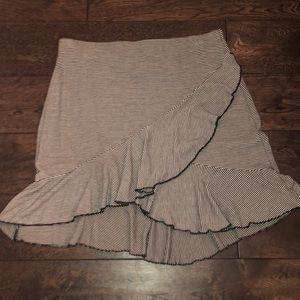 high low ruffled striped mini skirt!
